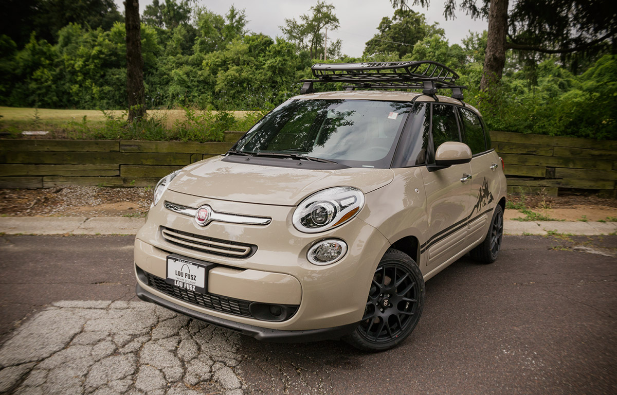 2017 Fiat 500L with Thule Roof Rack