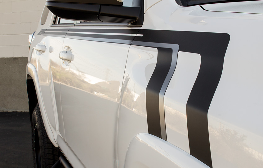 two-tone custom sr5 vinyl side stripe on a custom 2016 toyota 4runner sr5