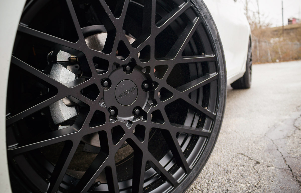20 Inch Rotiform wheels closeup Image